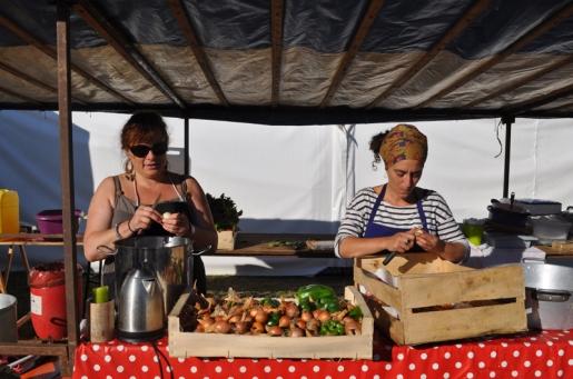 Preparing vegetables, Foire de Lessay, France